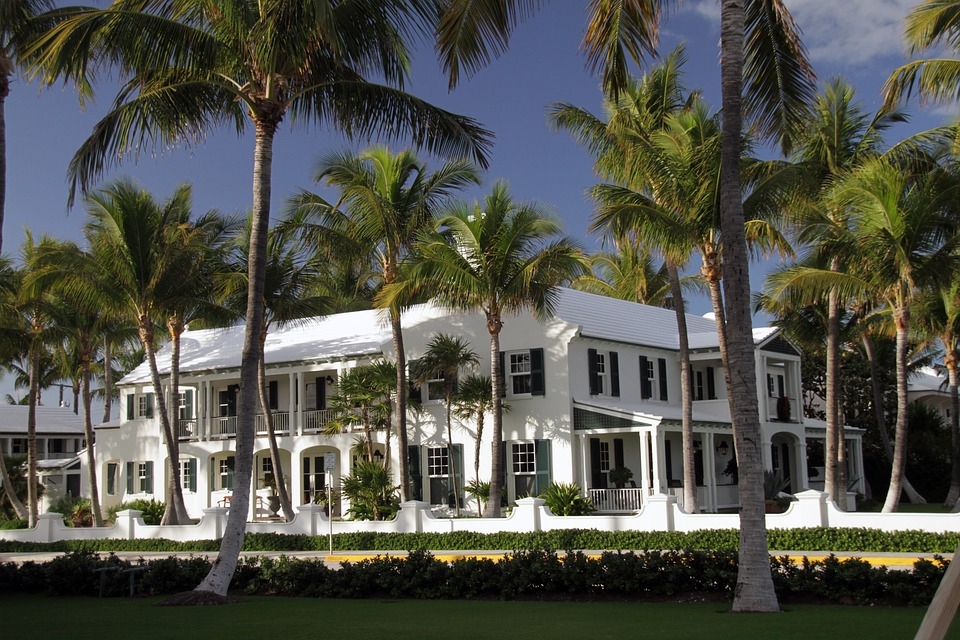 What are the Differences Between Property Manager Vs. Estate Manager_Leeward_Staffing_Palm_Beach_FL